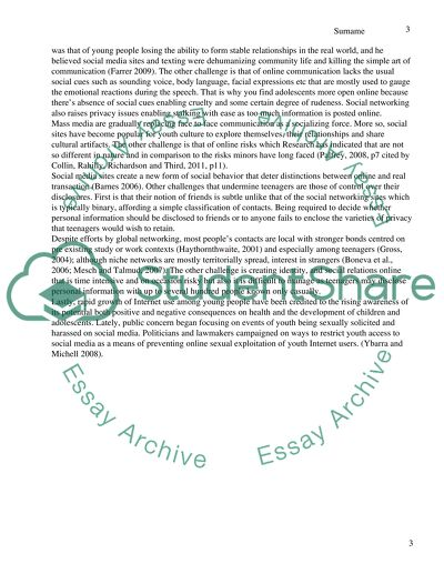 Discussion essay - The benefits and challenges of Social media